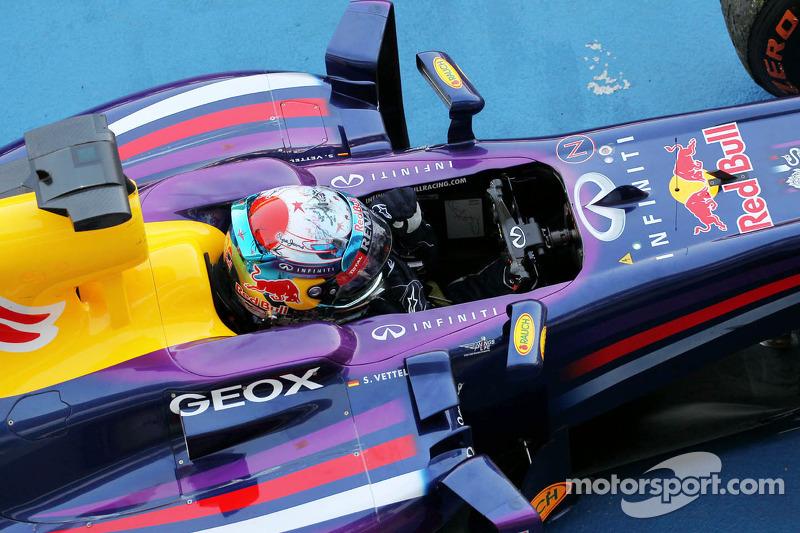 Vettel again, Alonso still alive
