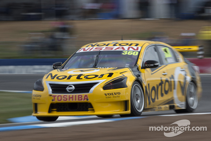 Close, but no great result for Nissan at Surfers Paradise