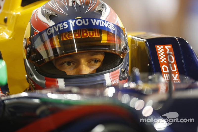 Kvyat qualifies for F1 super licence