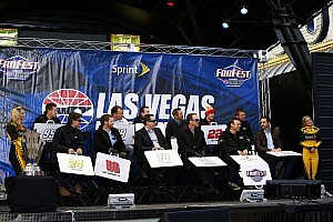 NASCAR Cup Breaking news Day two: heaters, cases, prizes and laughs make for memorable Fanfest in Vegas