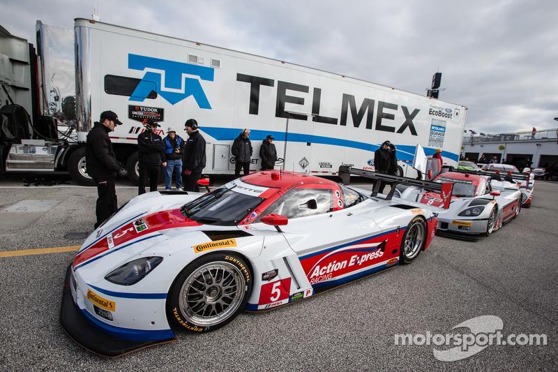 Fittipaldi sets prototype pace in Roar testing