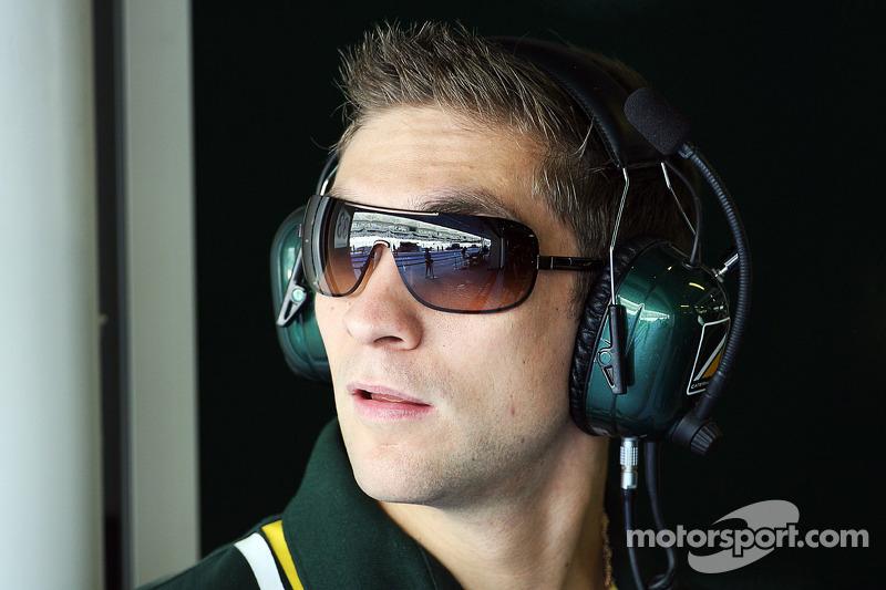 Petrov tests DTM car