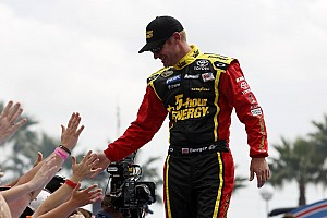 NASCAR Cup Preview Clint Bowyer ready to sing: 'Viva Las Vegas'