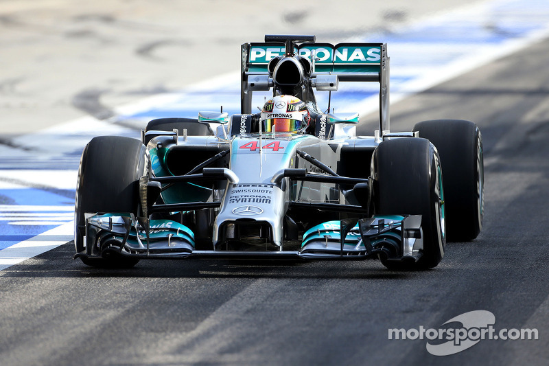 Mercedes nose passes test on fourth attempt