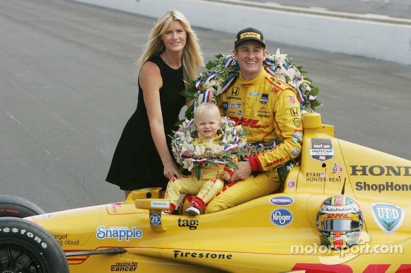 It's a Hunter-Reay family affair on the Today Show