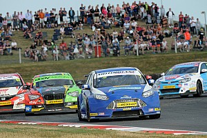 BTCC Breaking news British Touring Car Championship sets 2015 schedule