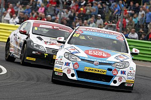 BTCC Qualifying report Turkington sets pace but it's Tordoff's pole