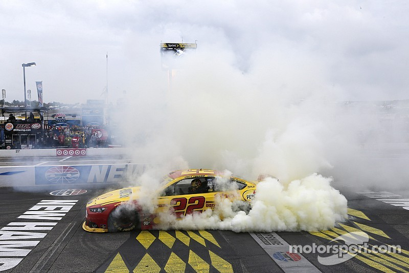 Team Penske extends agreement with Joey Logano
