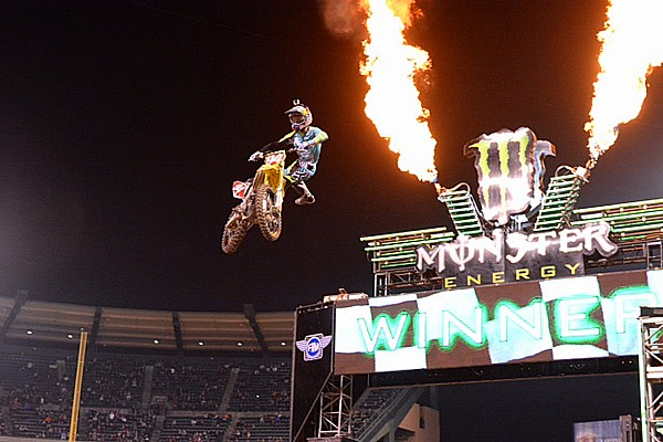 AMA Roczen remains undefeated at Anaheim