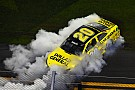 Kenseth wins wreck-filled Sprint Unlimited