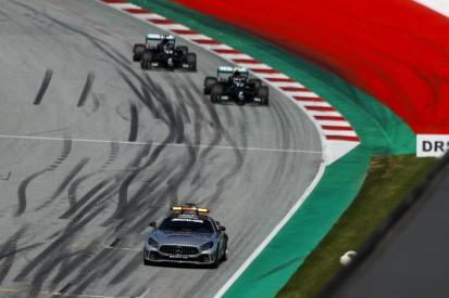 Mercedes: Darum blieben beide Fahrer hinter dem Safety-Car auf harten Reifen