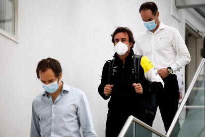 Fernando Alonso: Erster Auftritt in Renault-Fabrik in Enstone