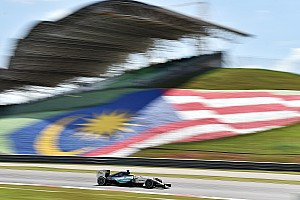 Formula 1 Practice report Mixed bag for Mercedes on a hot and humid opening day at the Sepang