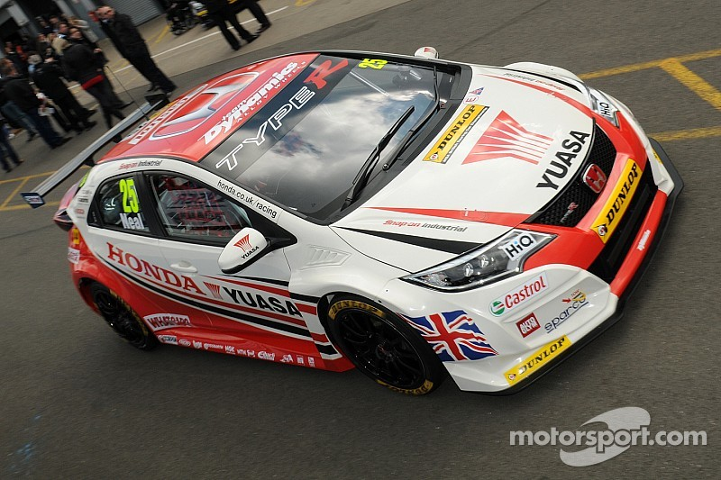 Honda's 'Brands' new Civic Type R ready to 'Hatch' on Easter BTCC debut