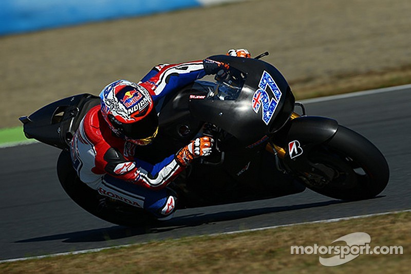"""Stoner """"sorry"""" that he won't be replacing Pedrosa"""