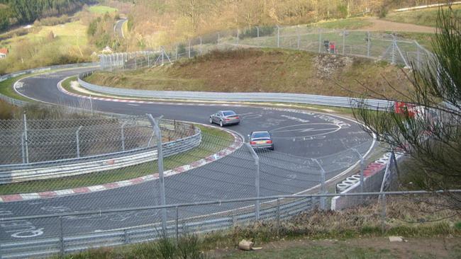Un morto al Nurburgring con l'Aston Martin Vantage