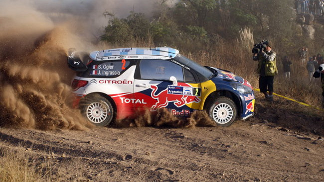 Argentina, PS8: Ogier sale al secondo posto