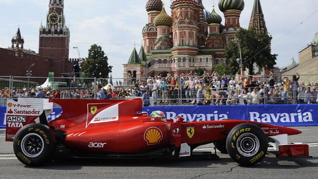 Esibizione a Mosca per Fisichella e la Ferrari
