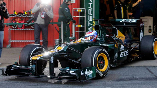 Barcellona, Day 2, Ore 10: Petrov sale sulla Caterham