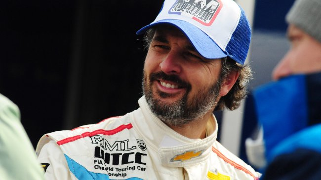 A Valencia Yvan Muller torna in pole position
