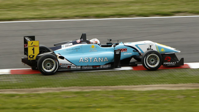 Doppia pole per Juncadella a Brands Hatch