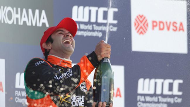 Curitiba, Gara 2: Quaife-Hobbs sbatte ma vince il titolo