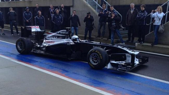 Primo test con la Williams FW33 per Susie Wolff