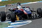 Ed Jones domina la Winter Series di Jerez