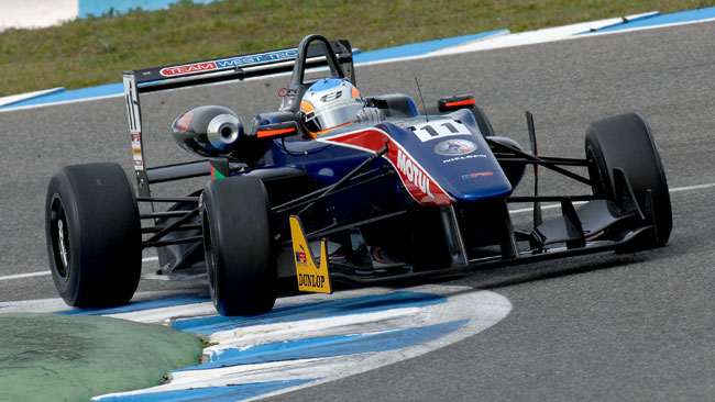 Ed Jones domina la Winter Series di Jerez