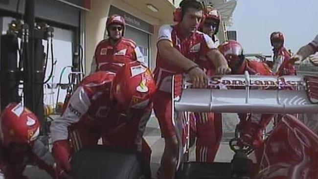 Sulla Ferrari di Alonso si è rotto il fermo dell'ala!