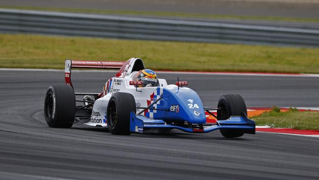 Rowland vince e passa in testa al campionato