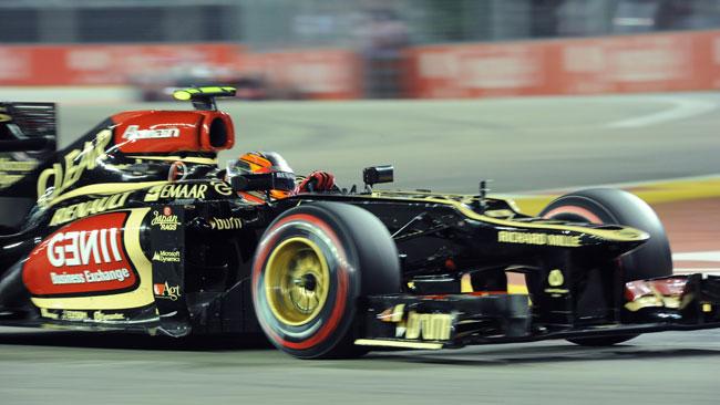 Reprimenda per la Lotus per un'irregolarità ai box