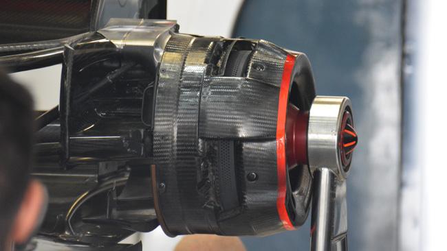 Si studia il brake-by-wire per i freni posteriori?