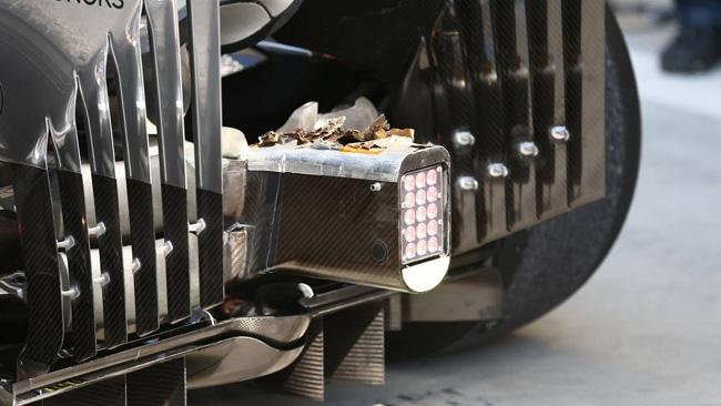 McLaren: lo scarico brucia le protezioni del crash