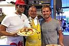 Rosberg in vacanza si gusta la pizza a Napoli