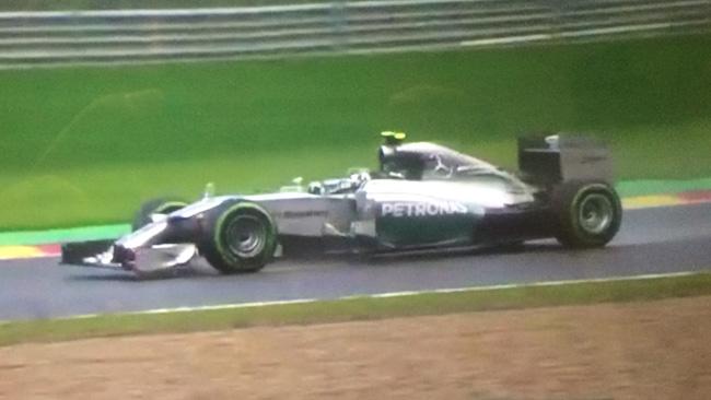 Rosberg fa un capolavoro sul bagnato a Spa