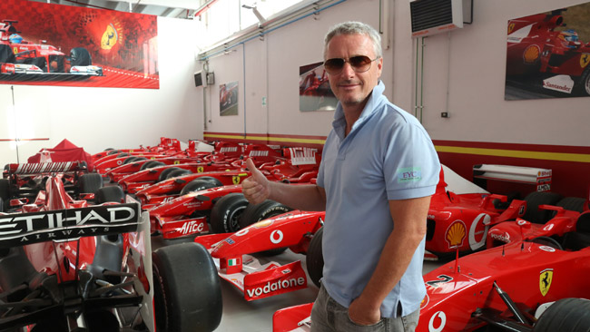 Eddie Irvine torna a Maranello dopo 15 anni