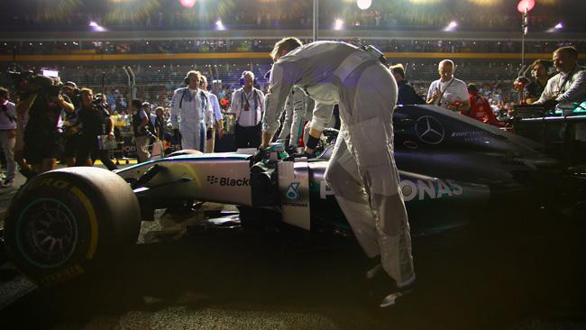 Rosberg: lo sterzo contaminato da una sostanza!