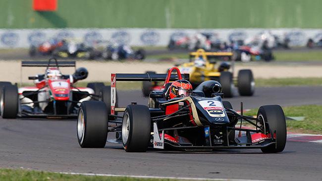 Verstappen vince la gara, Ocon il titolo!