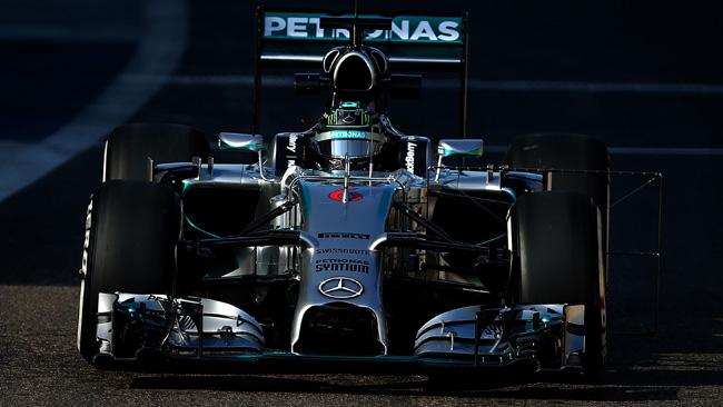 La Mercedes avrà cerchi e carrozzeria cromati