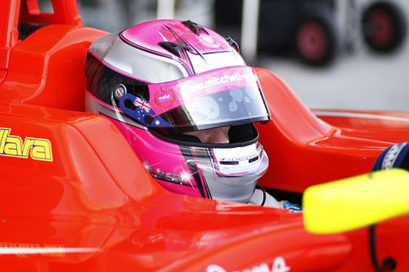 Mitch Gilbert a tempo pieno in GP3 con la Carlin