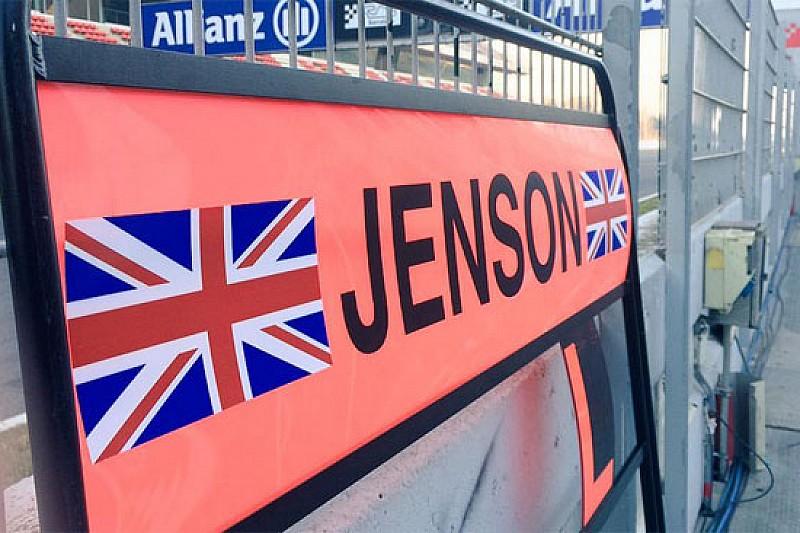 McLaren: slitta il debutto di Magnussen, gira Button