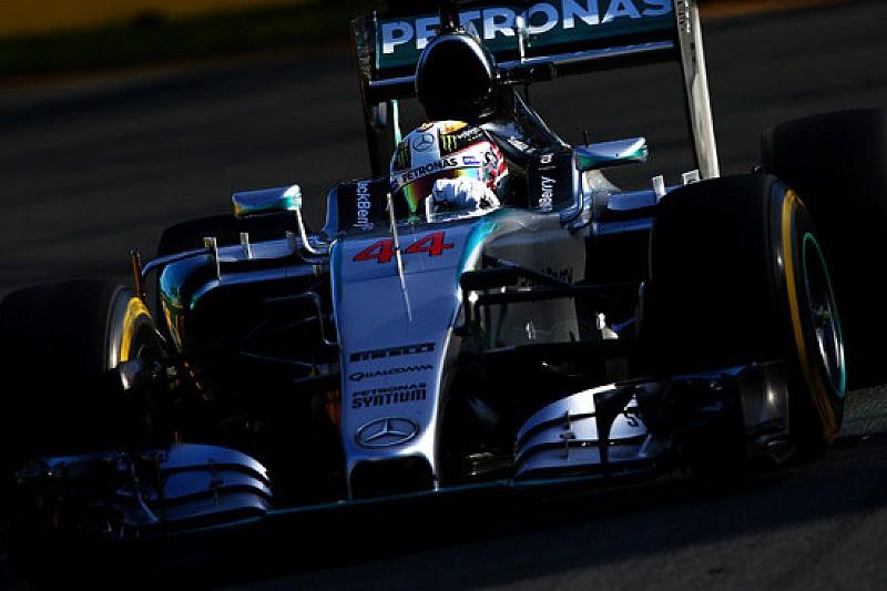 Melbourne, Q2: Hamilton vola, Kvyat viene eliminato