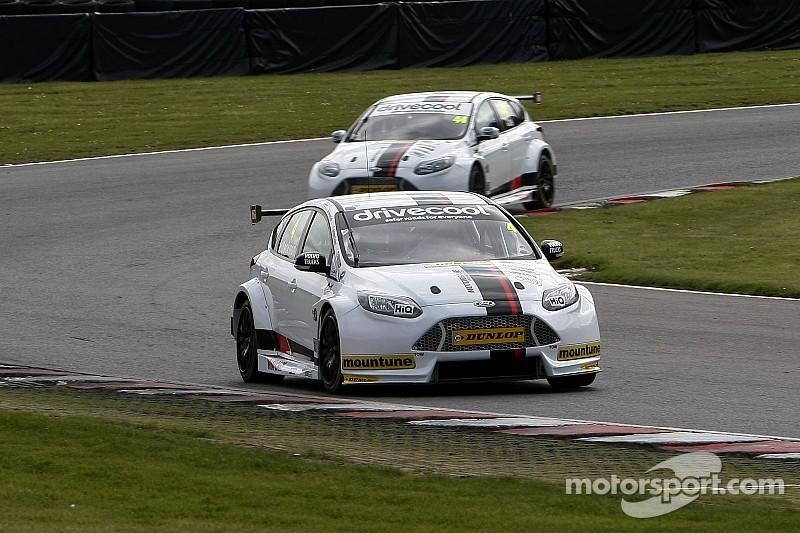 Motorbase takes step closer to BTCC return with test