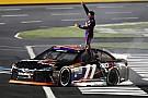 Denny Hamlin vince la All Star Race di Charlotte