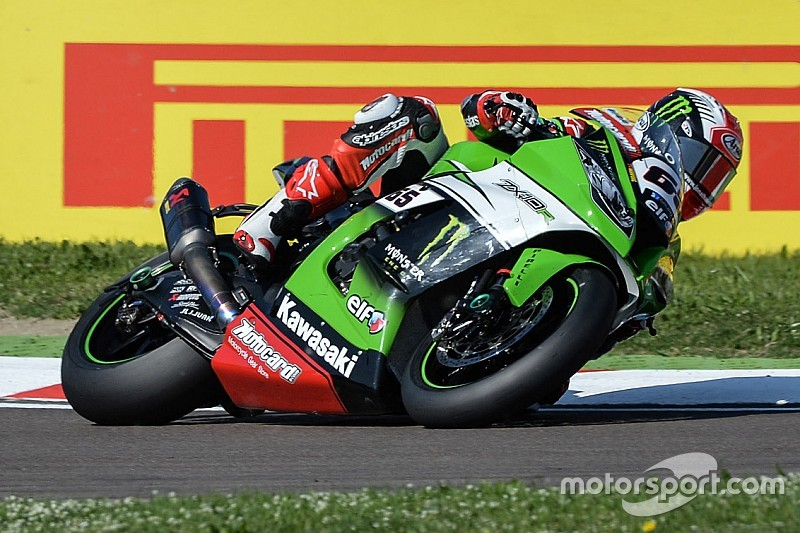 Rea wins flag-to-flag opening Race 1 at Portimão