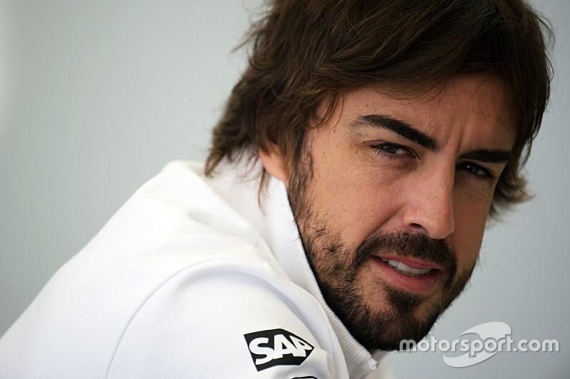Alonso défend McLaren et revient sur son intervention radio