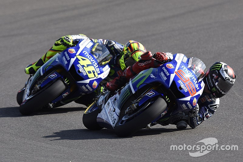 Rossi y Lorenzo tendrán el nuevo chasis Yamaha en Assen