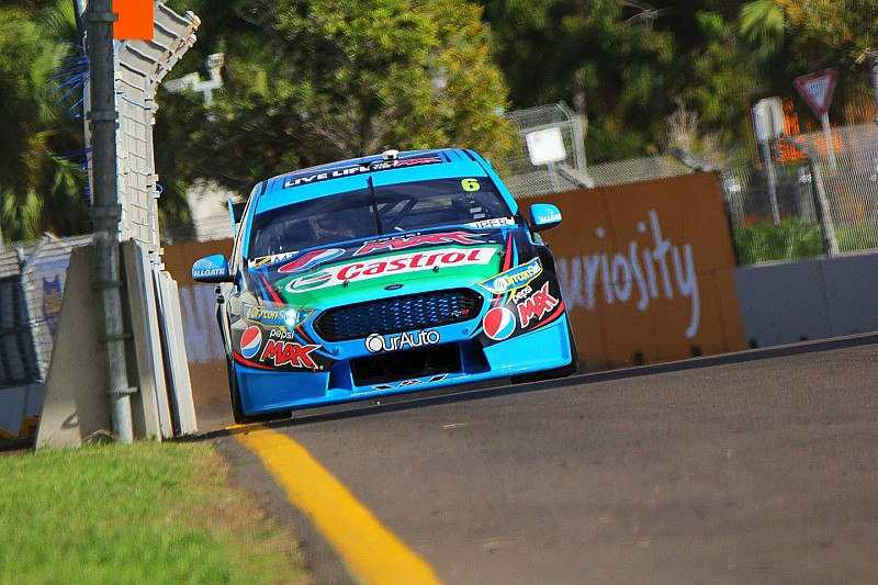 Mostert leads Percat in third V8 practice