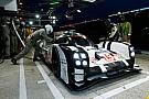 Le Mans, 13° ora: comanda la terza Porsche